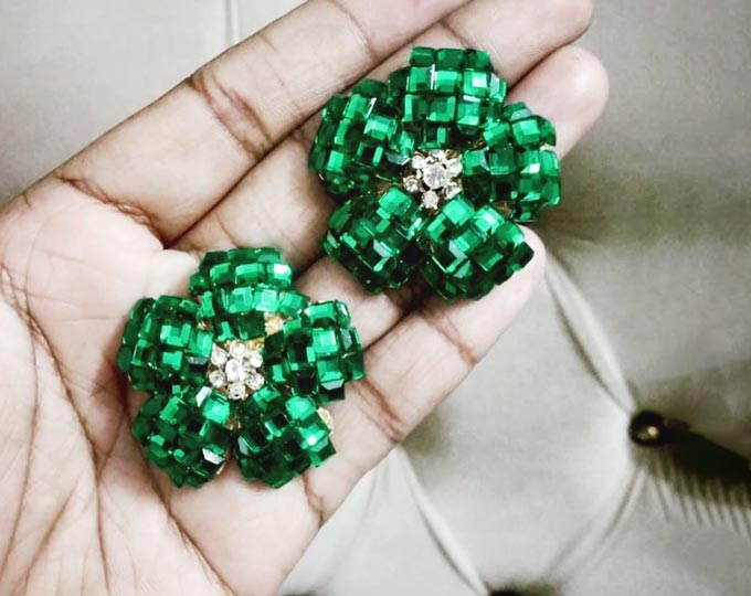 petal-stud-earrings