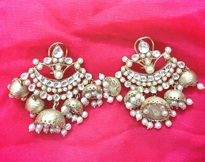 jhumki-earrings