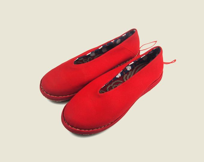 red-gongfu-handmade-cloth-shoes