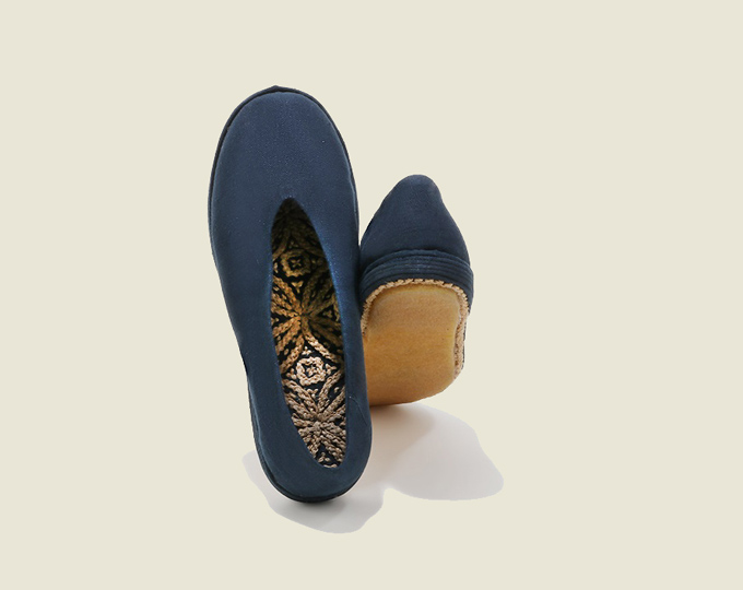 blue-handmade-cloth-shoes-with