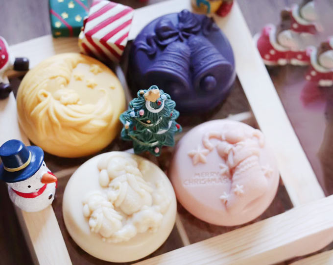 customized-holiday-soap-gift-set