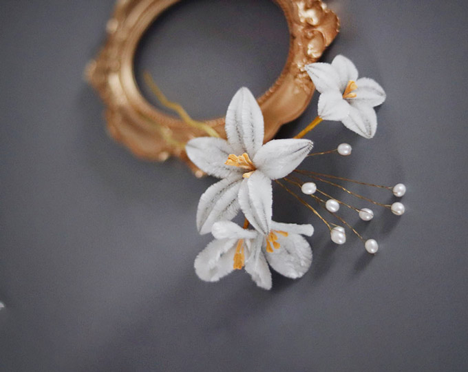 Flower-headdress-brooch