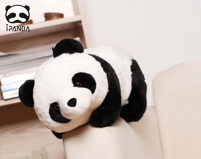 panda-plush-toy-cute-chengdu-girls