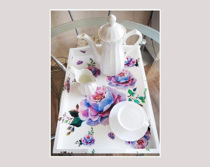 tray-blue-roses