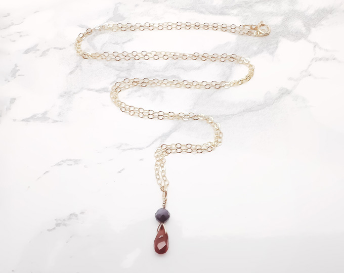 gothic-look-necklace-with-garnet
