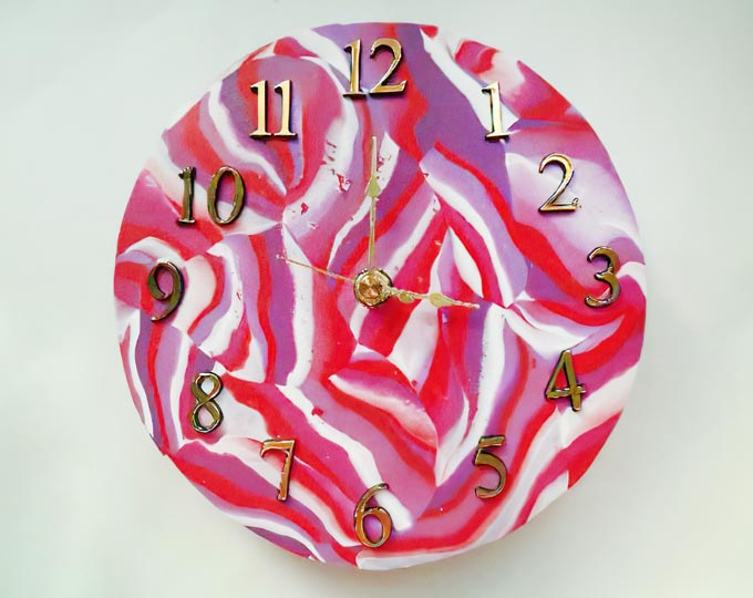 summer-berry-handmade-clay-clock
