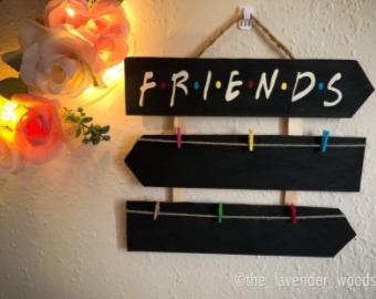 friends-theme-photo-holder