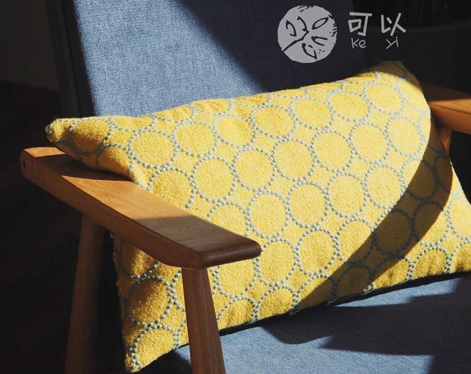 minaperhonen-drum-cloth-pillow