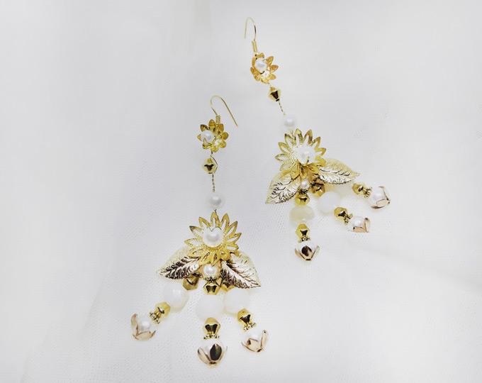 gold-boho-flower-drop-earrings