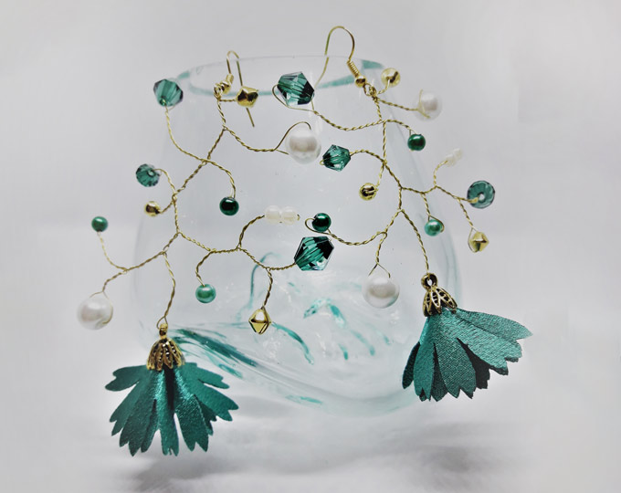 gold-and-emerald-green-branch
