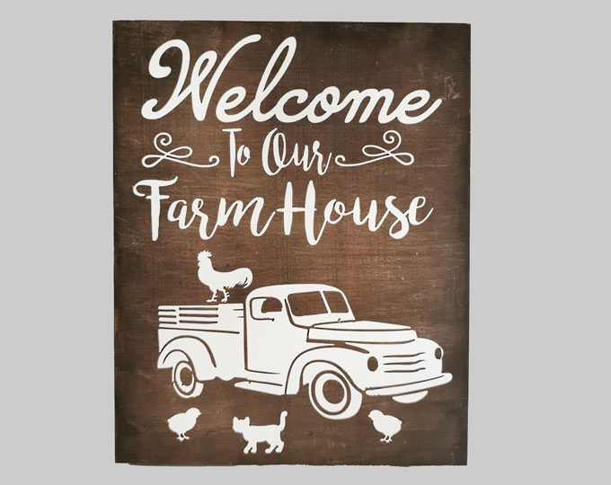 welcome-sign-for-a-farm
