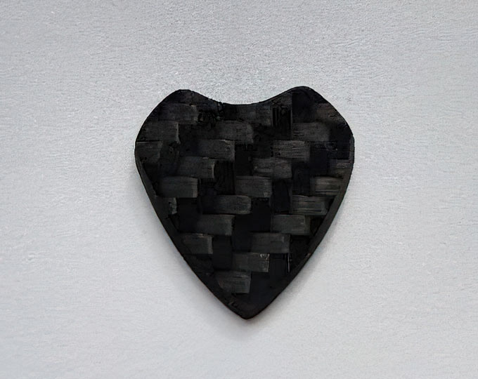 carbon-fiber-ouija-planchette