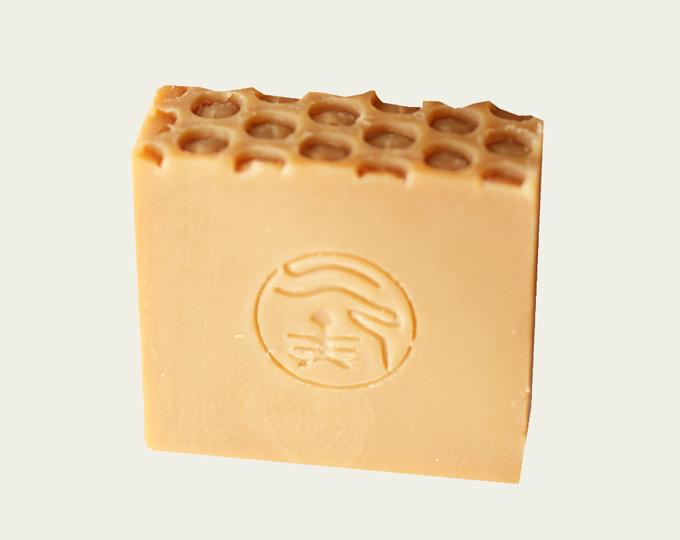 suoxygen-grandmother-honey-soap C