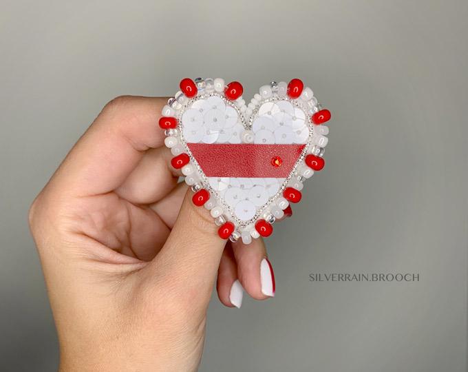 little-heart-brooch-support