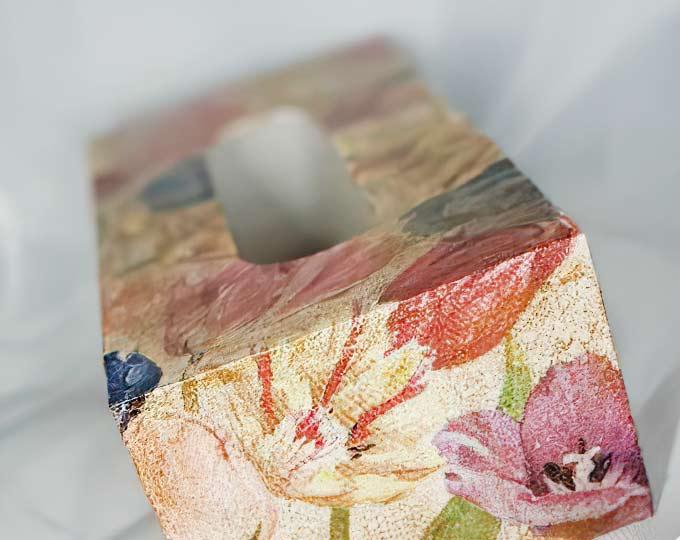 vintage-shabby-chic-tissue-box