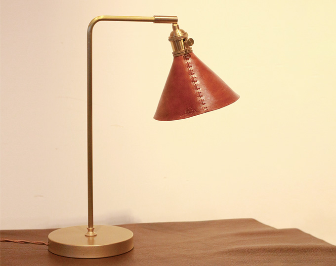 vintage-cowhide-bedside-lamp-brass