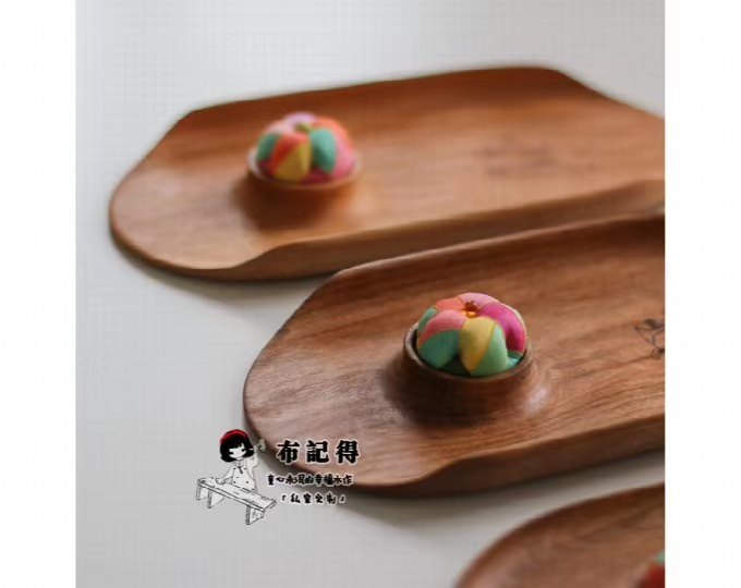 wooden-sewing-tray-with-original
