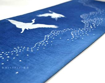 table-runner-natural-indigo-dyeing