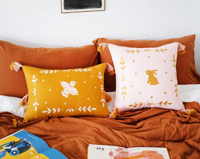 emboridery-cushion-and-pillows A