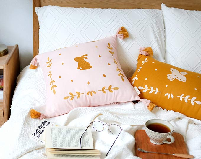 emboridery-cushion-and-pillows C