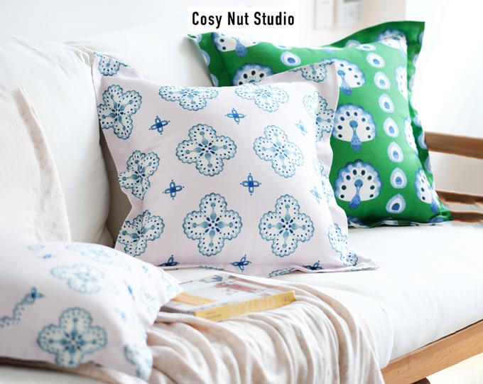 cushion-and-pillows-with-original