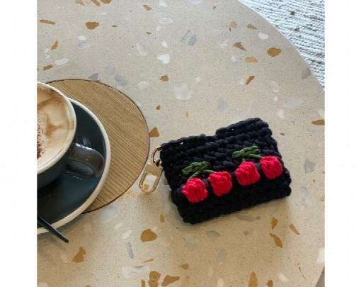 cherry-crochet-mini-purse