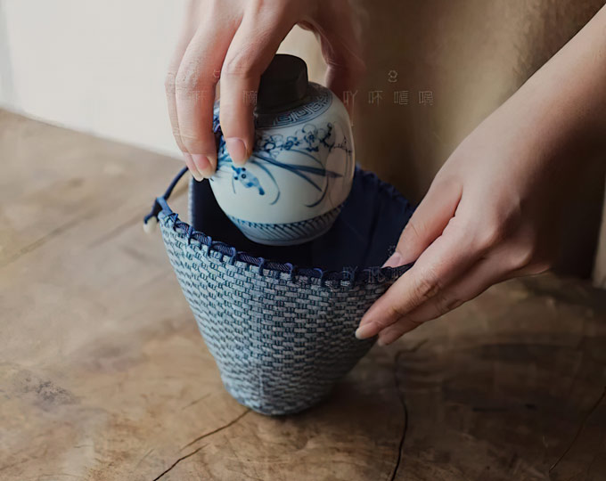 abuxidiplant-dyeing-hand-knitted A