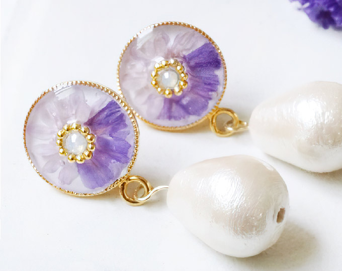 flower-design-and-cotton-pearl
