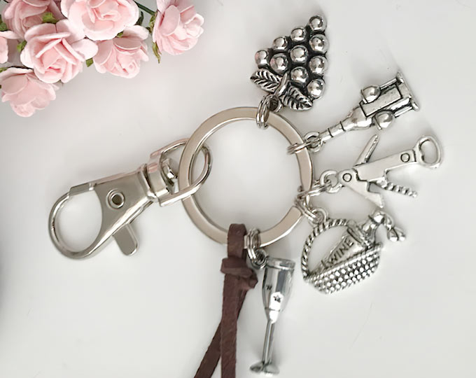 key-chains-bag-charms-sommelier