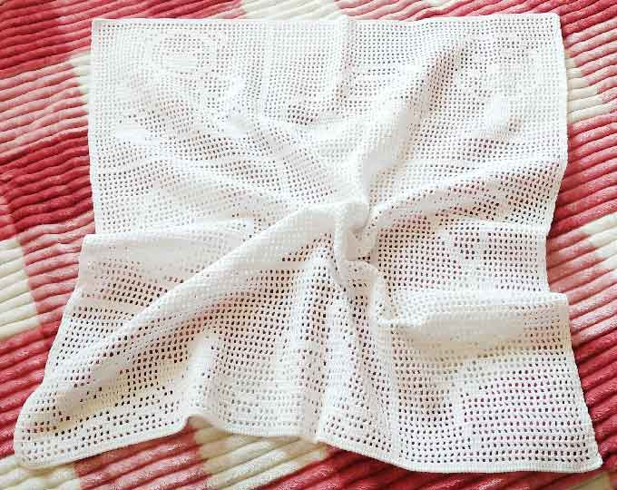 crochet-filet-baby-blanket-baby