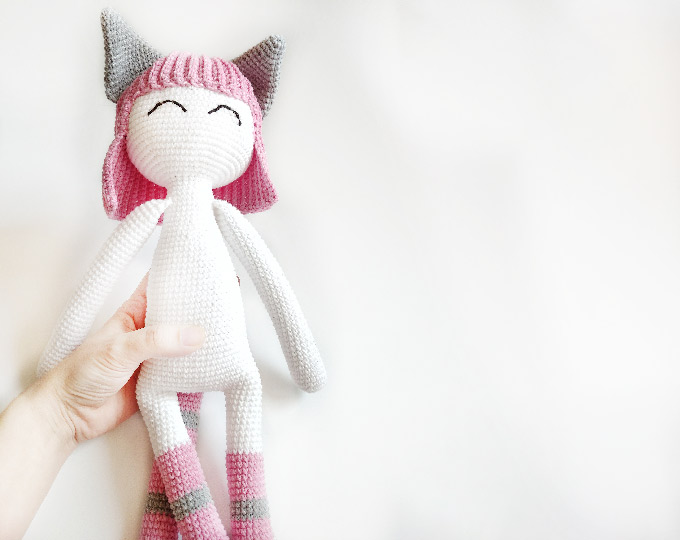 at-toys-crochet-knitted-cat-for