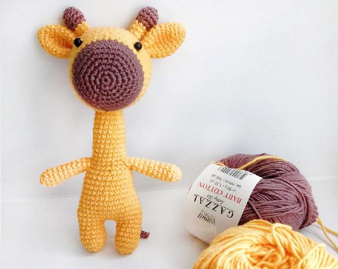 giraffe-crochet-giftnitted-giraffe