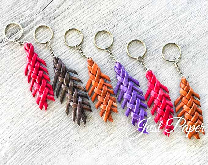 set-of-6-spike-key-chains-bag