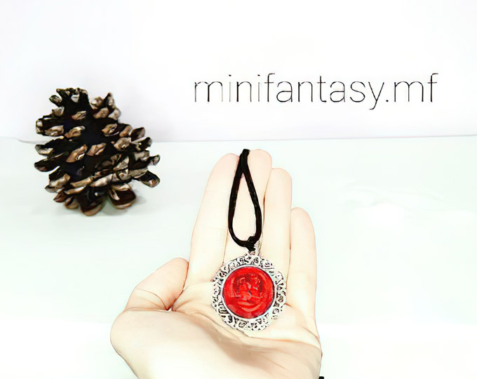 embroidered-rose-pendant