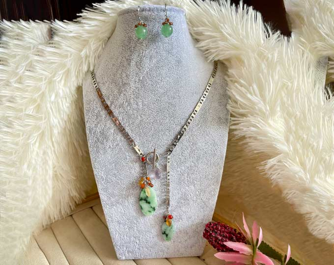 jadeite-tbar-necklace-with-earring