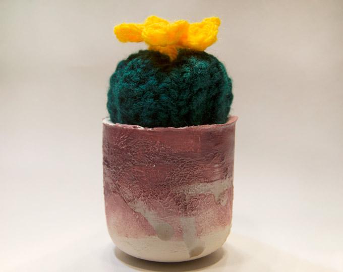 ceramic-pot-with-crochet-cactus