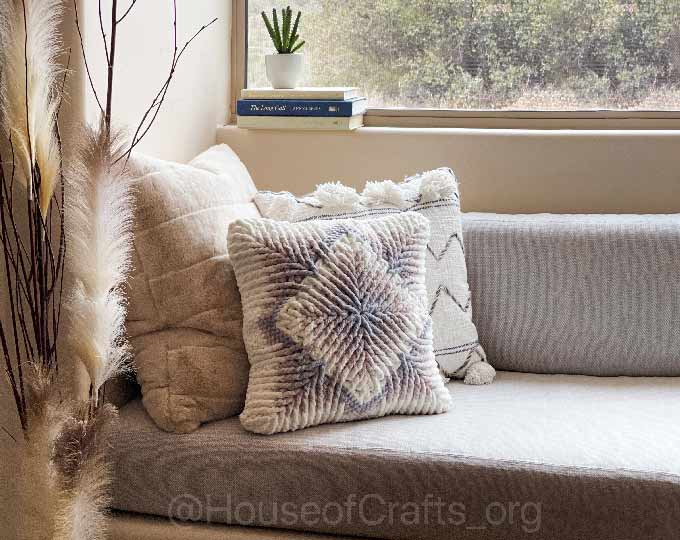 accent-pillow-decorative-pillow