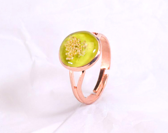 metal-rose-gold-ring-with-real