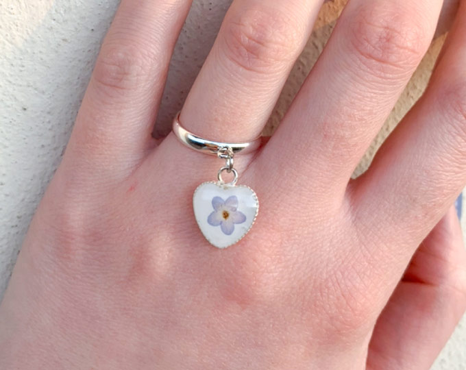 heartshaped-pendant-ring-with