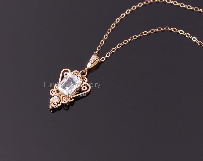 topaz-necklace-pendant-square