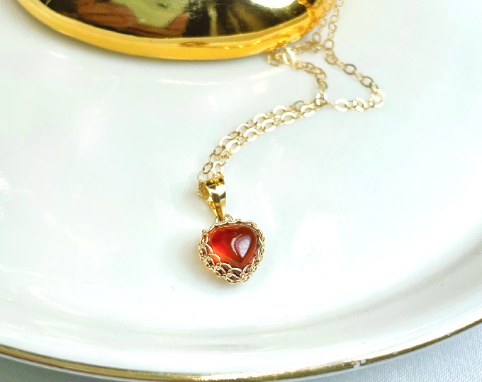 garnet-necklace-heart-shape