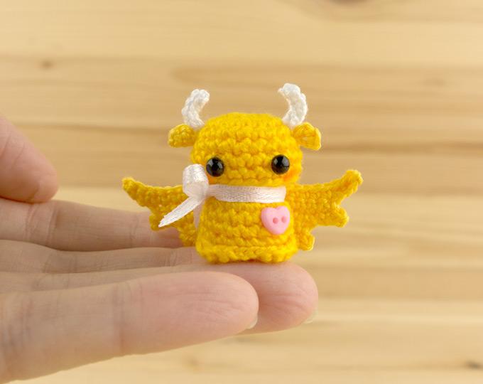 Dragon-figurine-Tiny-yellow-dragon