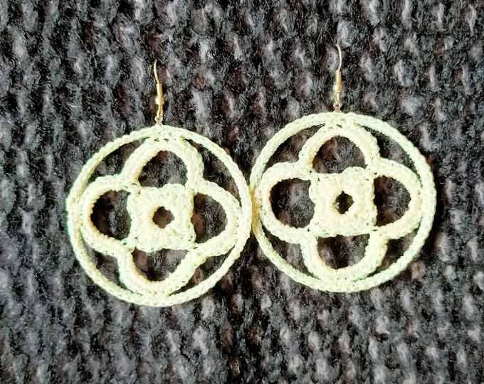 Crochet-white-sparkling-earrings
