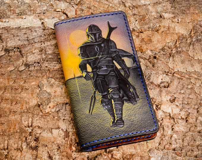 Leather-wallet-with-a-Mandalorian