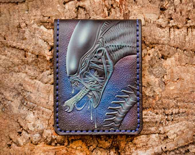 Leather-wallet-with-a-Xenomorph