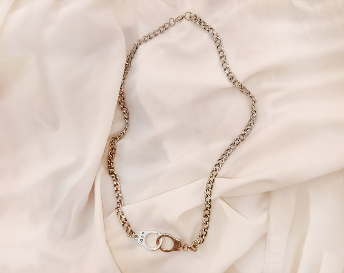 chains-necklace